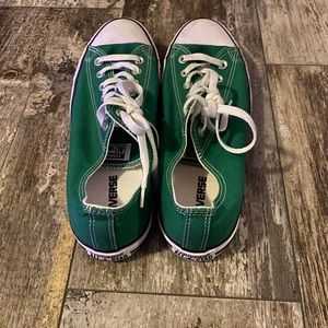 Green low top converse